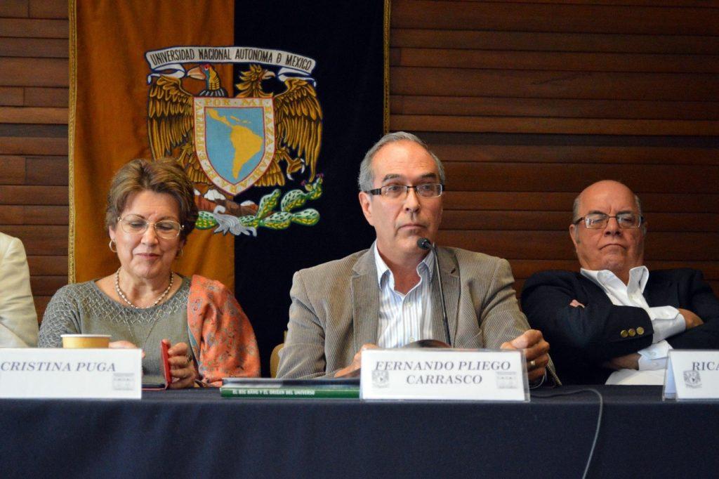 Foto: (de izquierda a derecha) Dra. Christina Puga, Dr. Fernando Pliego y Dr. Ricardo Tirado