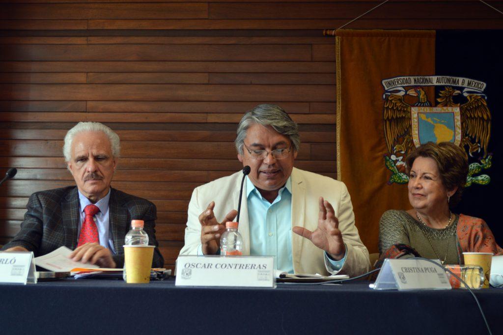 Foto: Dr. Fernando Pliego, Dr. Oscar Contreras y Dra. Christina Puga