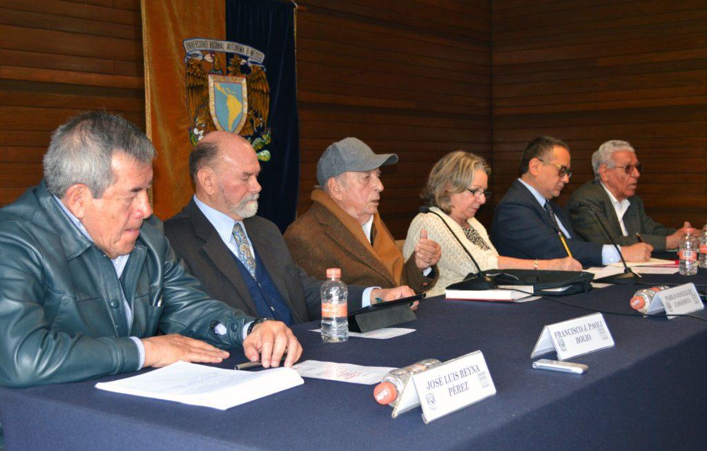 Foto (De izquierda a derecha) José Luis Reyna Pérez, Francisco Pérez Bolio, Pablo González Casanova, Guadalupe Valencia, Jorge Cadena Roa y Julio Leñero Otero