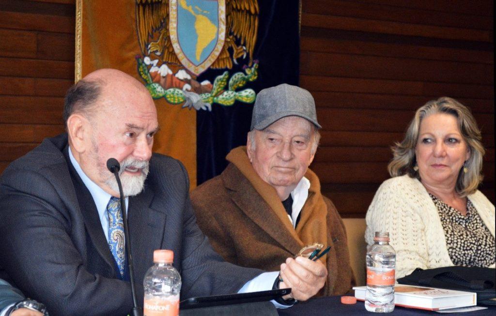 Foto: (De izquierda a derecha) Dr. Paoli Bolio, Dr. Pablo González Casanova y Dra. Guadalupe Valencia.