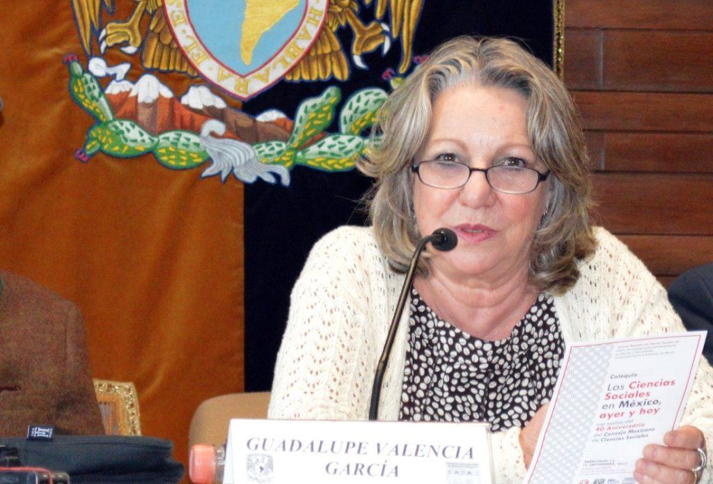 Foto: Dra. Guadalupe Valencia CEIICH UNAM, moderadora del coloquio.
