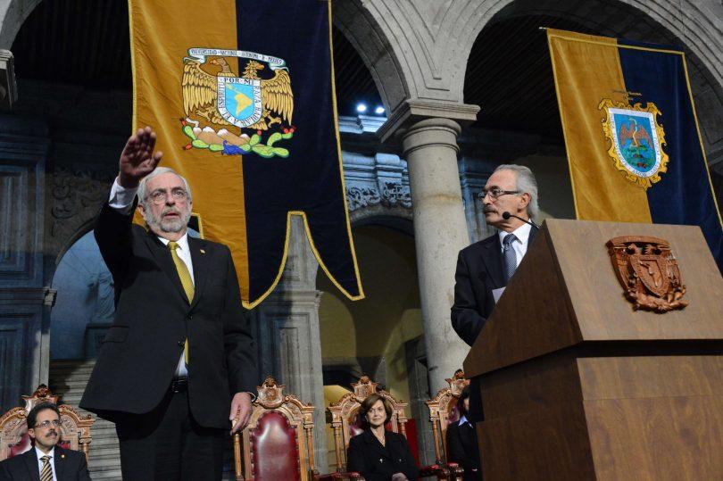 Rinde protesta Enrique Graue como rector de la UNAM